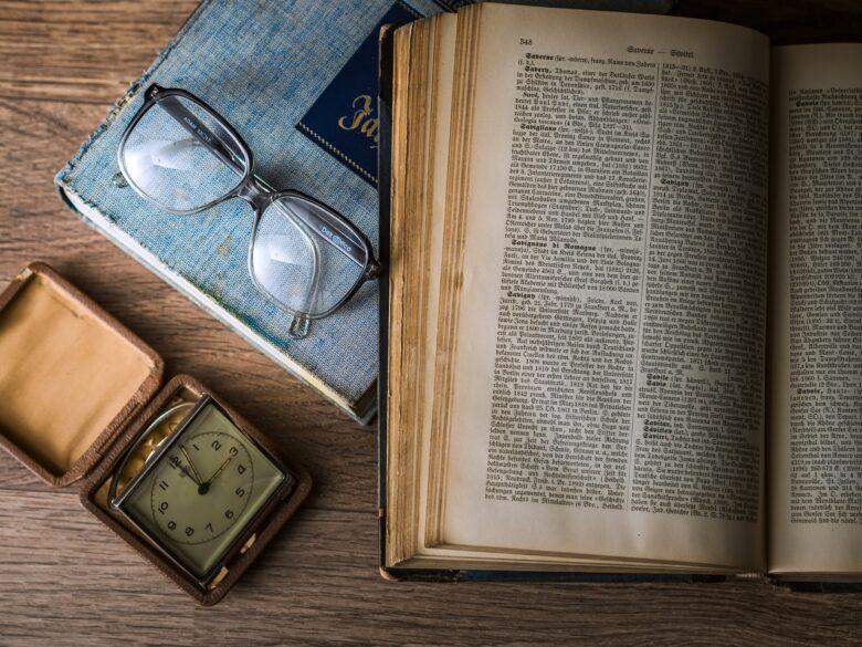 紙の本なんてインテリアです。内容重視な人は隠れた売れ筋を電子書籍に蓄積してる!